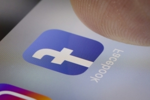 Facebook tops most downloaded apps of all time