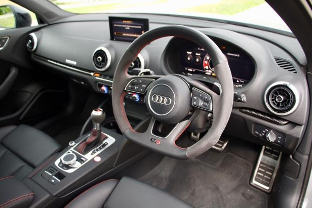 a close up of a car: 2018 Audi RS3 interior