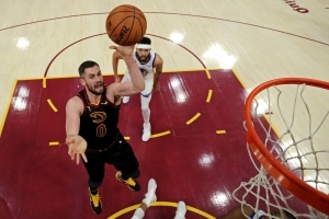 NBA exec: Cavs would need to be 'blown away' to trade Kevin Love