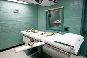 Offbeat: Lethal injection trial: Bloody foam shows drugs
