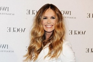 Elle Macpherson reveals the secret to preventing jet lag while travelling, her favourite cabin bag and the in-flight beauty routine she swears by