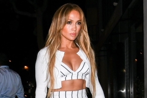 Jennifer Lopez Is Sizzling Hot on Her Romantic Date Night With Alex Rodriguez: Pics!