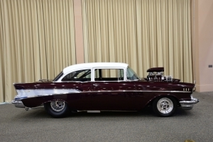 1957 Chevy Street Shaker Packs a 933hp V-8 Punch