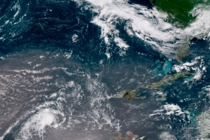 Hurricane to hit Canada? Tropical Storm Chris likely to intensify as it heads north