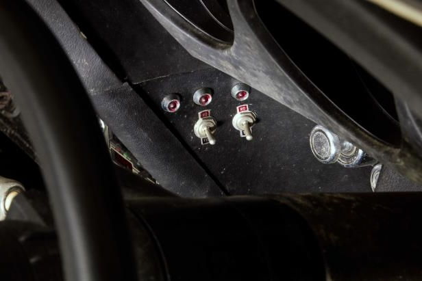 Slide 20 of 53: 047-1970-mustang-boss-429-switches.jpg