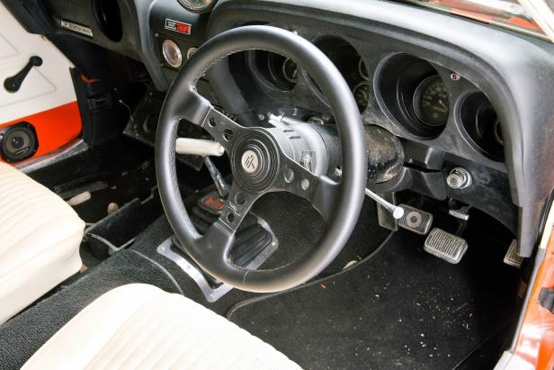 Slide 7 of 53: 041-1970-mustang-boss-429-dash.jpg