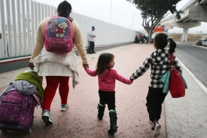 Border officials may have taken child of US citizen into custody