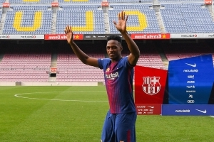 Everton closing in on deal to sign Barcelona defender