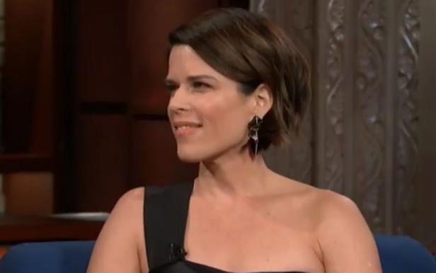 Neve Campbell posing for the camera