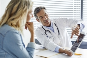 6 Things Doctors Often Say to Women, But Not to Men