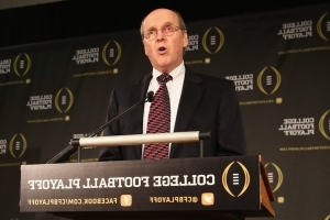 College Football Playoff extends agreements with Cotton, Fiesta and Peach Bowl through 2026