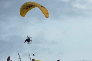 Man arrested in connection with Trump paragliding protest