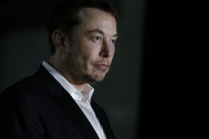 Elon Musk courts new controversy after tweeting, then deleting, an attack on a British cave explorer