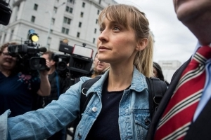 Seagram's heiress nabbed in NXIVM sex cult arrests; 'Smallville' star Allison Mack faces more charges