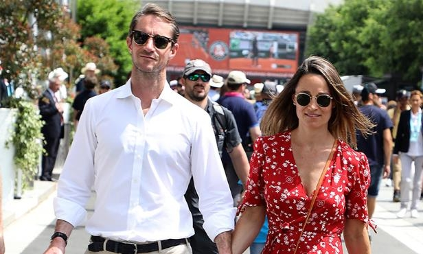 cd7f4eed6c4d5 Family & Relationships: Pregnant Pippa Middleton poses in a bathing ...