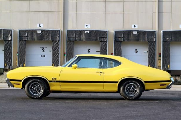 Classics: Rare 1970 Oldsmobile 4-4-2 W-30 Was Once a