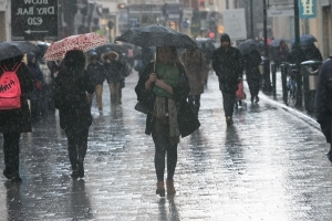 Ireland weather forecast: Met Eireann predict heavy rain for all parts today - but weather to take DRAMATIC turn for Bank Holiday weekend