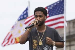 92b563b8a3ac Big Sean blasts EA Sports for scrubbing Colin Kaepernick s name from  Madden  19  song
