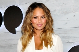 Chrissy Teigen Live Tweets Terrifying 7.0 Earthquake During Bali Vacation: 'I'm Naked'