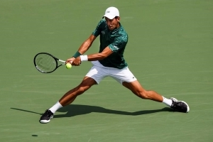 Djokovic into second round at Rogers Cup