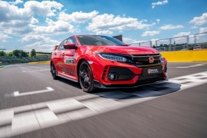 Honda Civic Type R Sets Lap Record for FWD Production Cars At Hungaroring GP Circuit