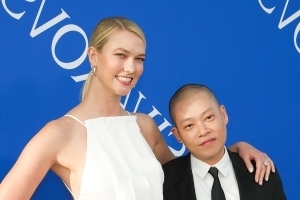 Super-Tall Supermodel Karlie Kloss' Shoe Size Will Surprise You