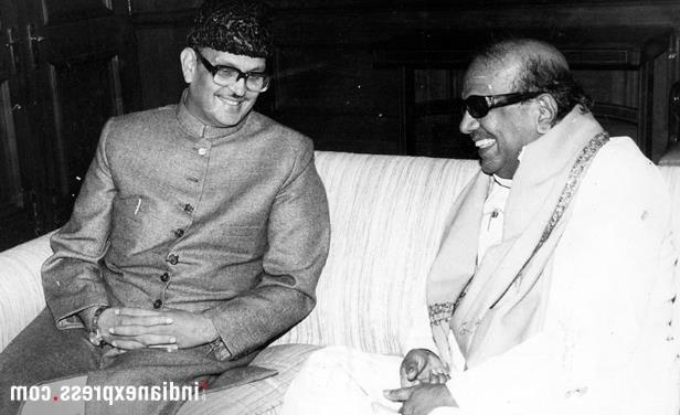 Slide 13 of 15: Former Prime Minister VP Singh with M Karunanidhi in New Delhi. (Express archive photo)