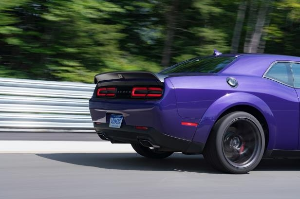 Reviews 2019 Dodge Challenger R T Scat Pack 392 And Hellcat Redeye