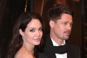 Angelina Jolie Considering Filing Palimony Lawsuit Against Brad Pitt