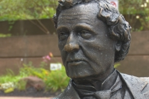 Removing Sir John A. Macdonald statue not the answer, says Native Council
