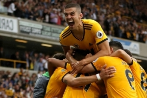 Wolves 2 Everton 2: Jimenez header ensures Richarlison's brace in vain