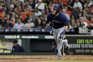 Healy helps Mariners rally to take 3rd straight from Astros