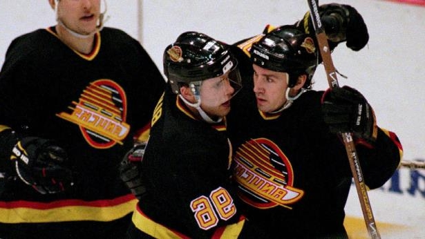 Sports  Canucks to bring back vintage Flying Skate jersey in 2019-20 ... a818137fb