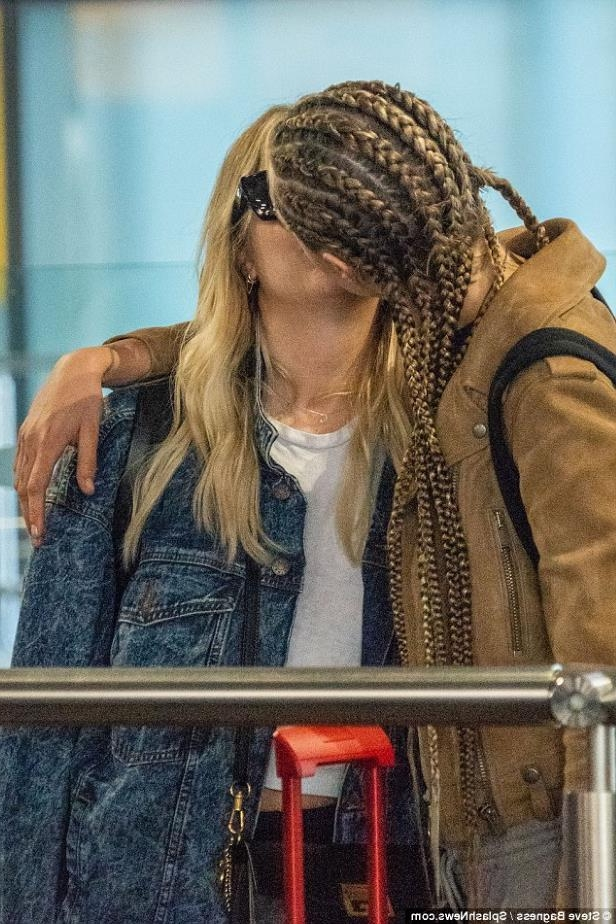 Entertainment Cara Delevingne And Ashley Benson Picture Exclusive