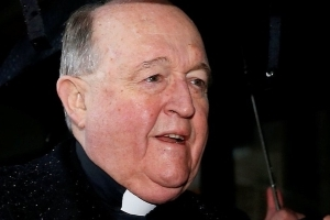 Abuse-concealing bishop to be held at home