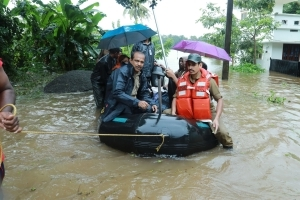 Navy Stops Training For Rescue Ops In Flooded Kerala: 10 Points