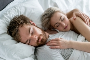 4 Key Differences Between How Men and Women Sleep