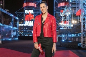 Ninja Warrior (TF1) - Iris Mittenaere :