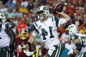 Sam Darnold plays entire first half, ends night with interception