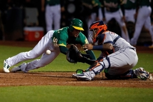 Balls & Strikes: Defensive miscues put Astros in peril