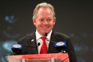 Bobby Petrino guarantees Louisville will beat Alabama