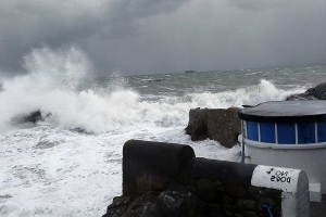 Batten down the hatches! This when tropical Storm Ernesto will hit Ireland