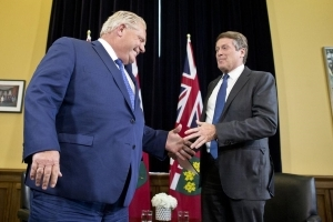 Ontario moving ahead with Toronto council cut