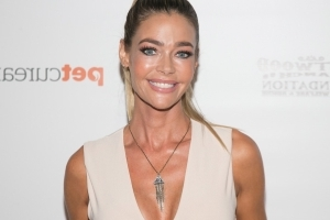 Denise Richards Poses in Bikini With Her New 'Real Housewives of Beverly Hills' Castmates