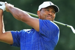 Tiger opens with mediocre 71 at Northern Trust