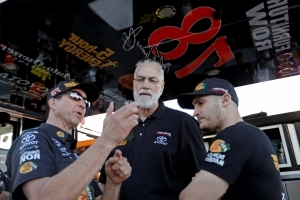 News Furniture Row Racing Closing A Year After Nascar Title
