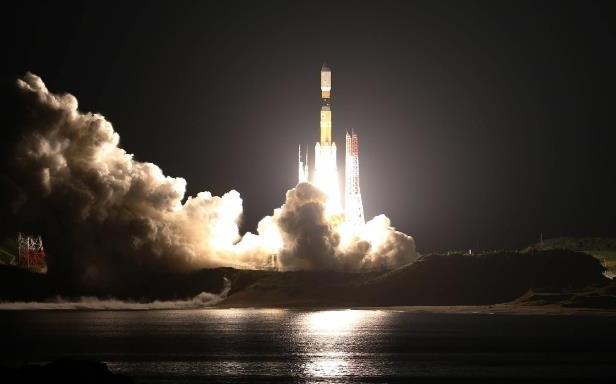 Tech & Science : Going up! Japan to test mini 'space