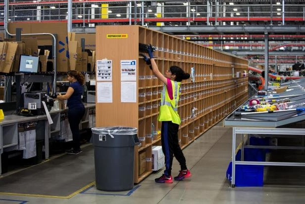Offbeat: Why Walmart Shoppers Are Finding More Items 'Out of Stock