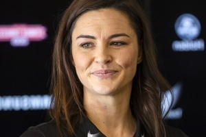 AFLW: Sharni Layton signs with Collingwood Magpies