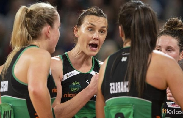 Veteran shooter Natalie Medhurst (centre) has been recruited by Collingwood Super Netball side after being cut by the West Coast Fever.